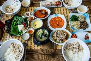 [식단문화] 프랑스인, 이탈리아인, 일본인, 한국인의 식단에 대해 특별한 것은 무엇인가?
